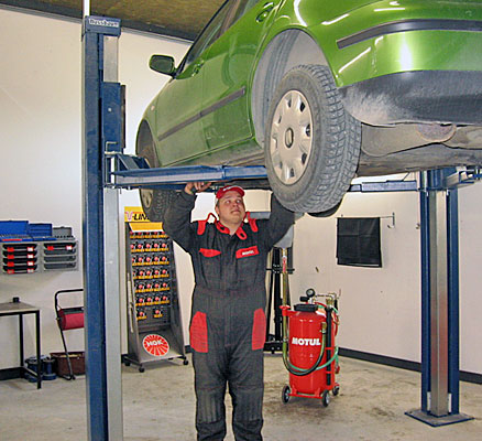 Öljynvaihdot ja autohuolto Kangasalan Lentolassa