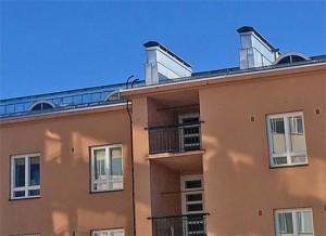 Hämeen Rakennuspelti Oy - ns. Laivatalon kattoremontti Tampereen Armonkalliolla