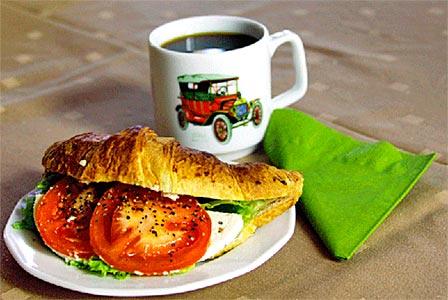 Vehoniemen Automuseon kahvio tarjoaa herkulliset leivonnaiset
